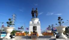 Il monumento alle due eroine di Phuket (Thailandia)
