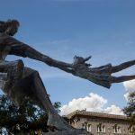 Strane statue sparse per il mondo!