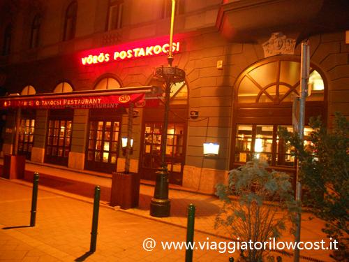 Vörös Postakocsi Restaurant a Budapest