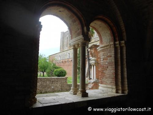 Bifore Abbazia di San Galgano Chiusdino Siena