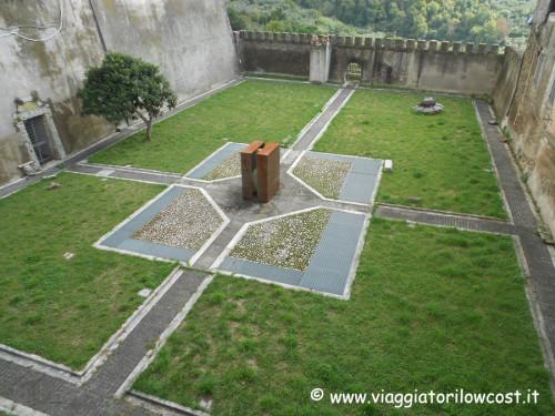 Cosa vedere a Genazzano fossato del Castello Colonna