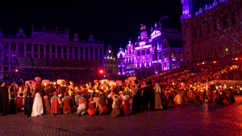 cosa vedere a Bruxelles Grand Place (Ommegang)