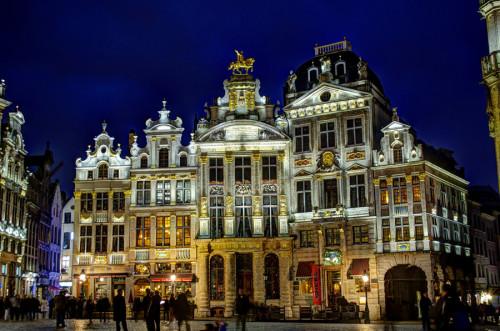 cosa vedere a Bruxelles visitare Grand Place sera