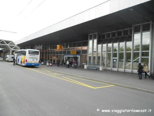 Come arrivare dall'aeroporto di Ginevra al CERN in autobus