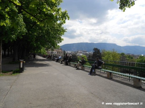 cosa fare a Ginevra sedersi panchina più lunga del mondo