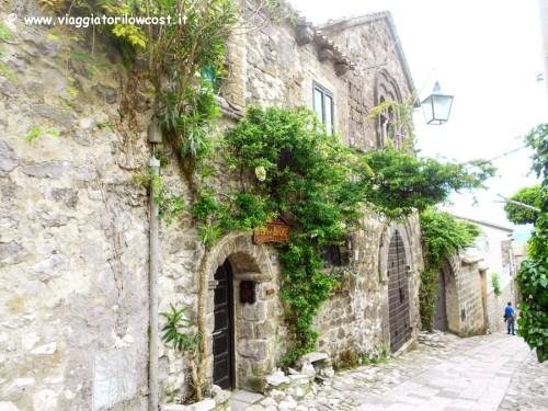 Visitare Caserta e il borgo di Casertavecchia