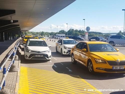 Come andare dall'aeroporto di Tallinn al centro in taxi