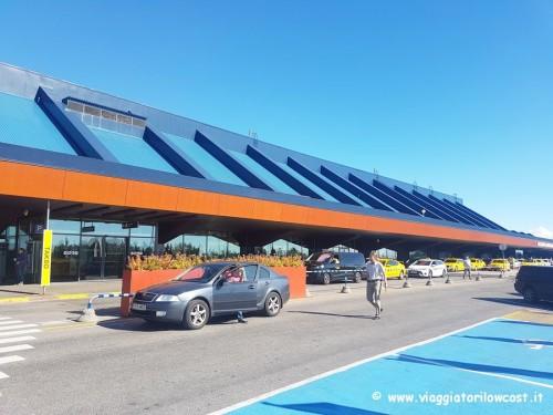 Come andare dall'aeroporto di Tallinn al centro città